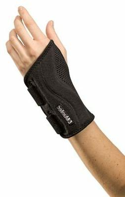 Mueller Sports Fitted Wrist Brace OSFM Black, Right or Left,