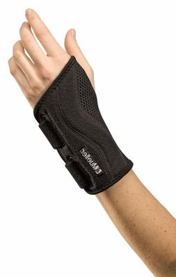 Mueller Sports Fitted Wrist Brace Carpal Tunnel Left/Right B